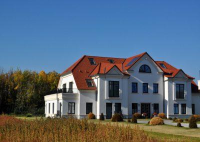 Blick Haus1 mit Wiese