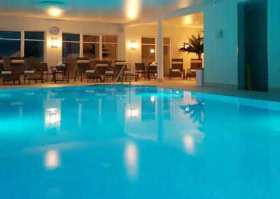 Schwimmbad_header